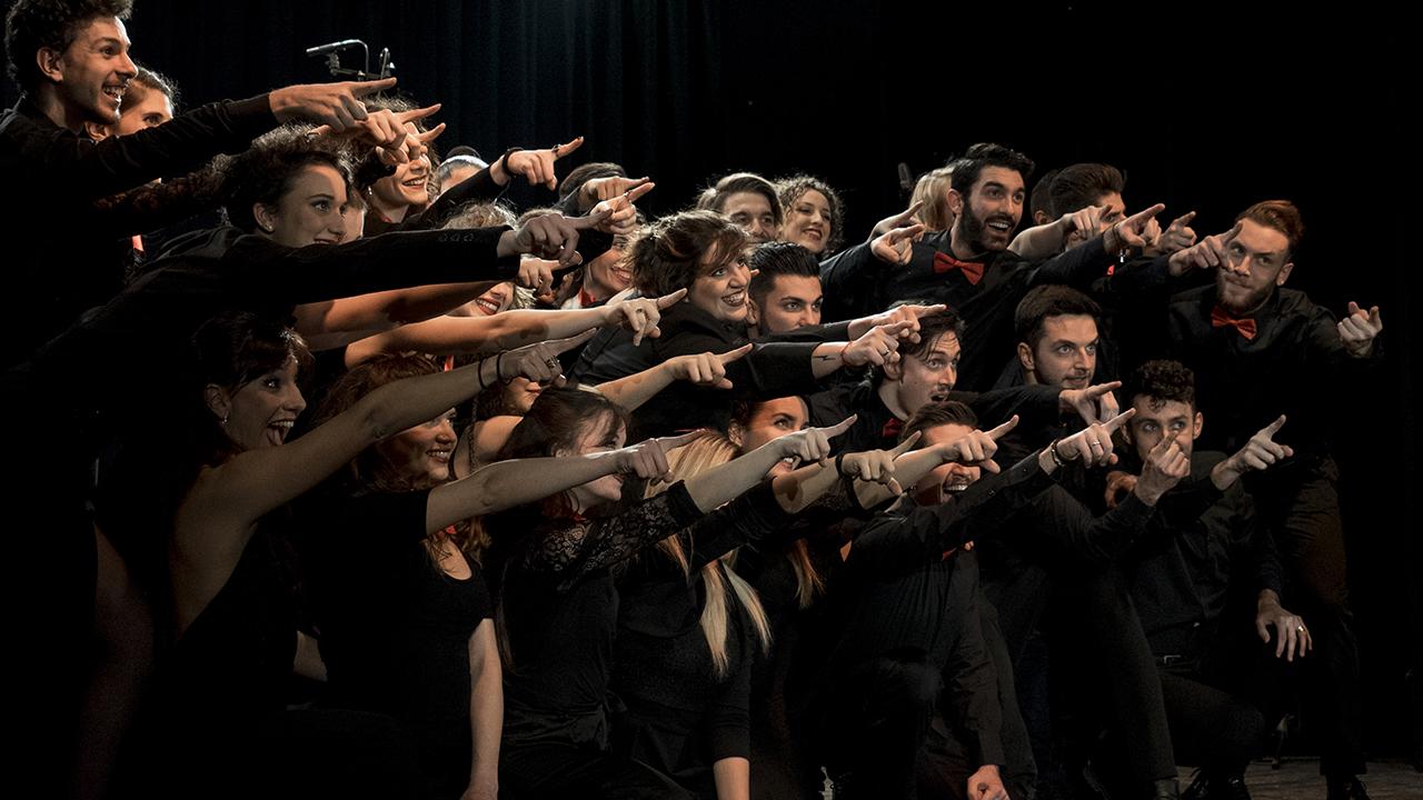 Attori in scena alla accademia di musical - TMA